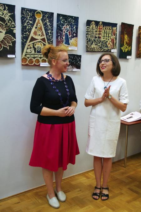 """Wystawa pt. """"Podróże woskiem malowane"""""""