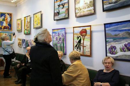 Wystawa tkaniny artystycznej Krystyny Czarnostawskiej