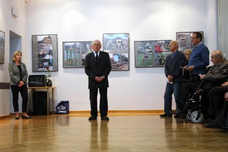 """Wystawa fotografii pt. """"Siedem cudów świata"""""""