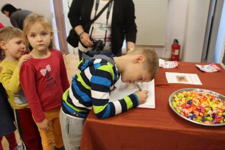 """Wystawa prac plastycznych dzieci z Przedszkola nr 64 w Lublinie pt. """"Jesień wokół nas"""""""